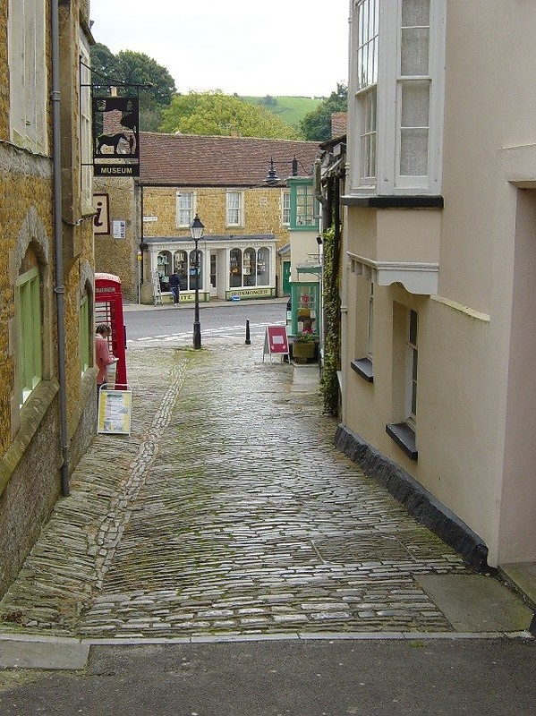 Castle Cary back street
